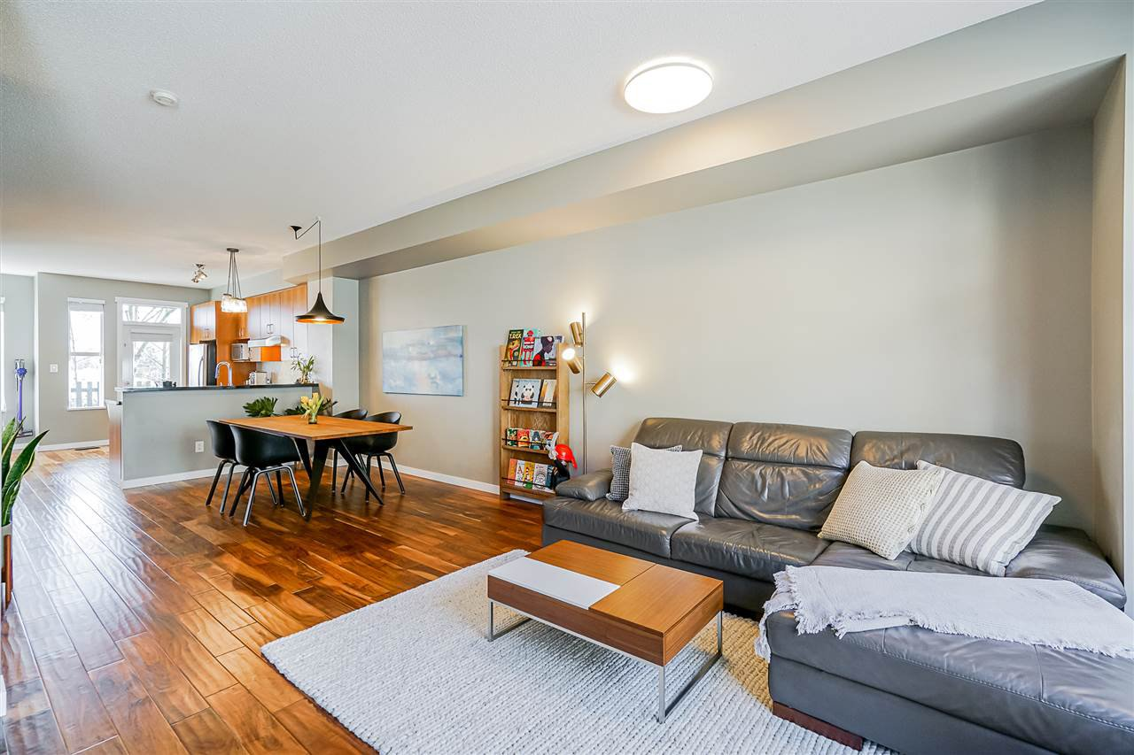 """Photo 10: Photos: 16 6736 SOUTHPOINT Drive in Burnaby: South Slope Townhouse for sale in """"SOUTHPOINT"""" (Burnaby South)  : MLS®# R2433523"""