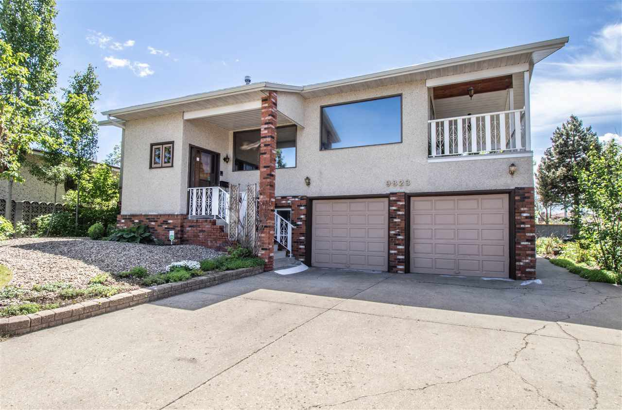 Main Photo: 9823 161 Avenue in Edmonton: Zone 27 House for sale : MLS®# E4201530