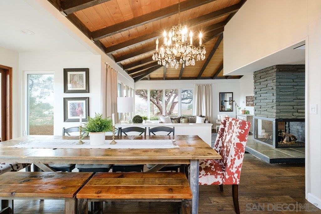 Main Photo: EL CAJON House for sale : 4 bedrooms : 1467 Hidden Mesa Trail