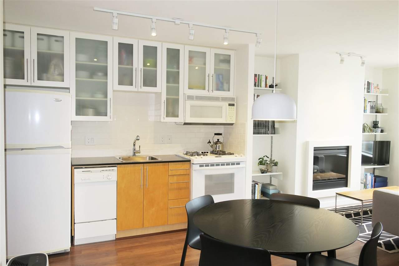 """Main Photo: 1809 1225 RICHARDS Street in Vancouver: Downtown VW Condo for sale in """"EDEN"""" (Vancouver West)  : MLS®# R2472791"""