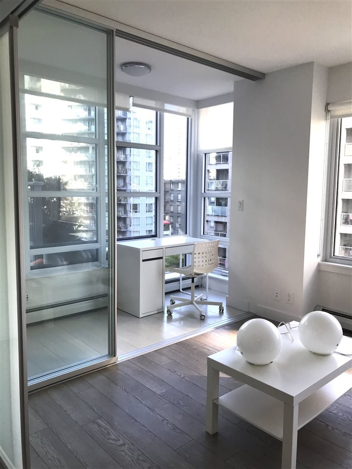 "Main Photo: 704 1283 HOWE Street in Vancouver: Downtown VW Condo for sale in ""TATE"" (Vancouver West)  : MLS®# R2476620"