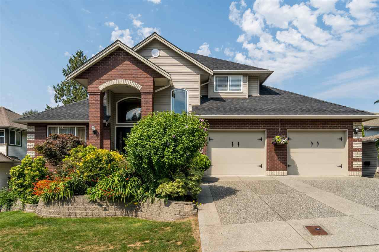 "Main Photo: 35715 LEDGEVIEW Drive in Abbotsford: Abbotsford East House for sale in ""Ledgeview Estates"" : MLS®# R2481502"