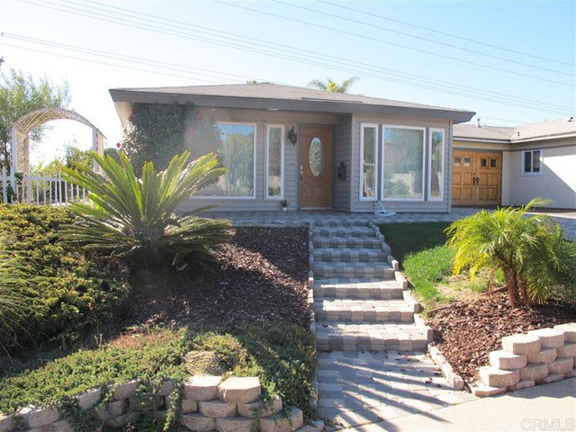 Main Photo: Townhome for sale : 2 bedrooms : 751 Sunflower in Encinitas
