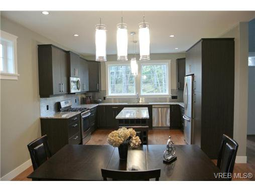 Main Photo: 3654 Coleman Pl in VICTORIA: Co Latoria Single Family Detached for sale (Colwood)  : MLS®# 655498
