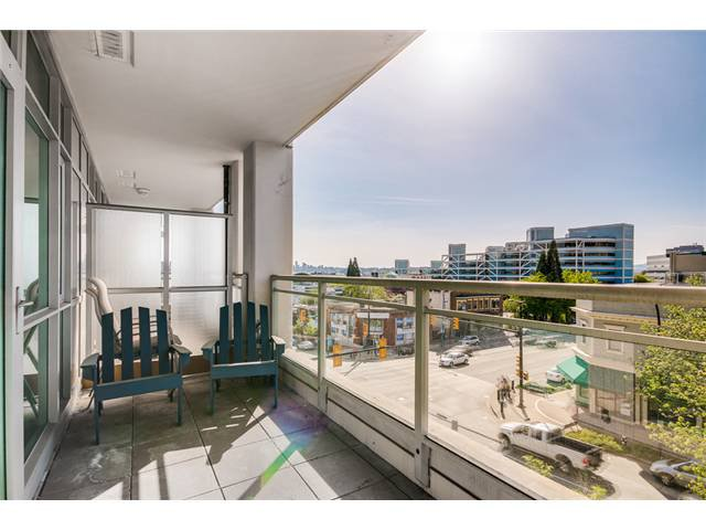 """Photo 7: Photos: 409 100 E ESPLANADE Street in North Vancouver: Lower Lonsdale Condo for sale in """"The Landing"""" : MLS®# V1063412"""