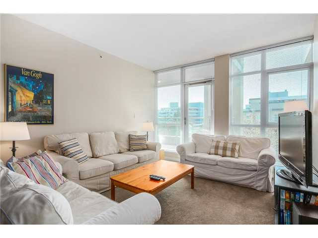 """Photo 2: Photos: 409 100 E ESPLANADE Street in North Vancouver: Lower Lonsdale Condo for sale in """"The Landing"""" : MLS®# V1063412"""