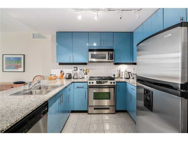 """Photo 6: Photos: 409 100 E ESPLANADE Street in North Vancouver: Lower Lonsdale Condo for sale in """"The Landing"""" : MLS®# V1063412"""