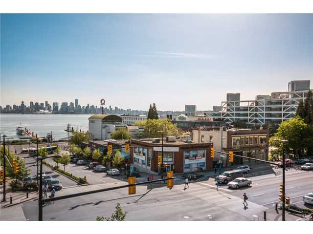 """Photo 8: Photos: 409 100 E ESPLANADE Street in North Vancouver: Lower Lonsdale Condo for sale in """"The Landing"""" : MLS®# V1063412"""