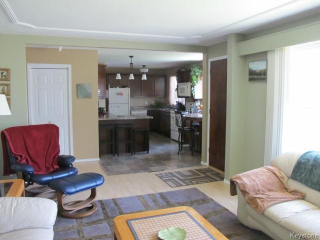 Photo 9: Photos:  in WINNIPEG: North Kildonan Residential for sale (North East Winnipeg)  : MLS®# 1511206