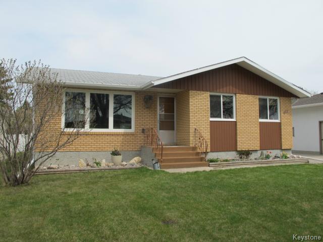 Photo 2: Photos:  in WINNIPEG: North Kildonan Residential for sale (North East Winnipeg)  : MLS®# 1511206