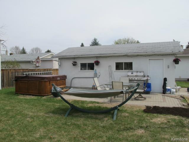 Photo 4: Photos:  in WINNIPEG: North Kildonan Residential for sale (North East Winnipeg)  : MLS®# 1511206