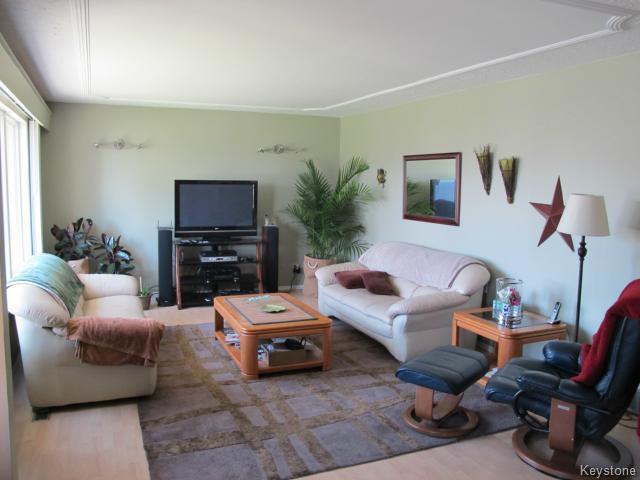 Photo 7: Photos:  in WINNIPEG: North Kildonan Residential for sale (North East Winnipeg)  : MLS®# 1511206