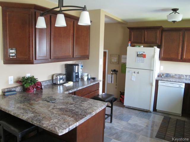 Photo 11: Photos:  in WINNIPEG: North Kildonan Residential for sale (North East Winnipeg)  : MLS®# 1511206