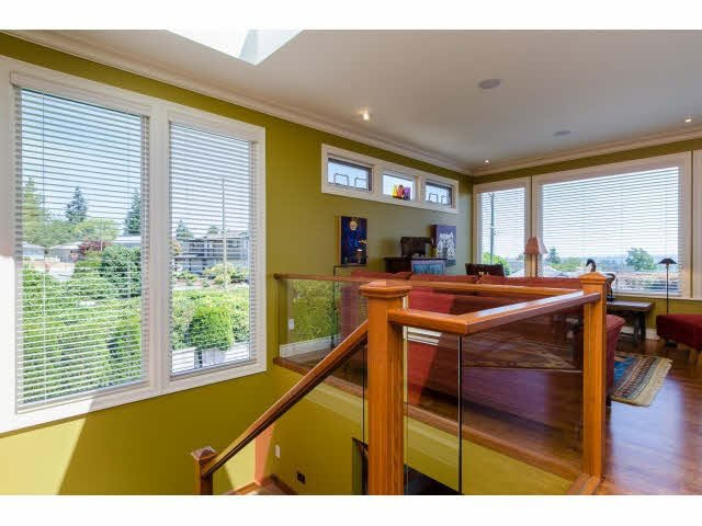 "Photo 4: Photos: 1159 BALSAM Street: White Rock House for sale in ""UPPER EAST BEACH"" (South Surrey White Rock)  : MLS®# F1445609"