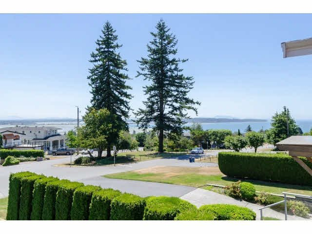 "Photo 2: Photos: 1159 BALSAM Street: White Rock House for sale in ""UPPER EAST BEACH"" (South Surrey White Rock)  : MLS®# F1445609"