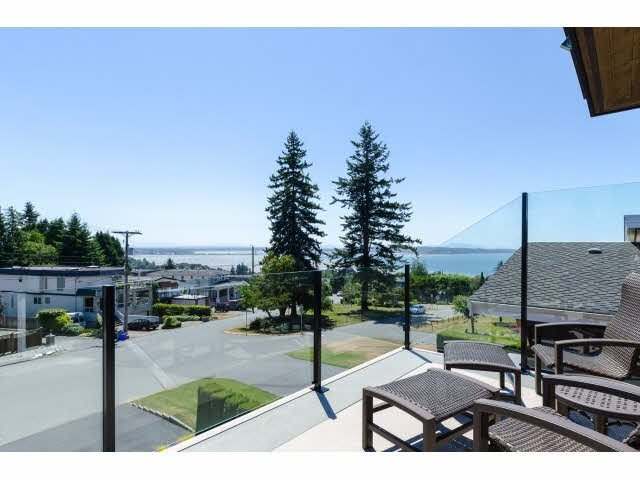"Photo 13: Photos: 1159 BALSAM Street: White Rock House for sale in ""UPPER EAST BEACH"" (South Surrey White Rock)  : MLS®# F1445609"