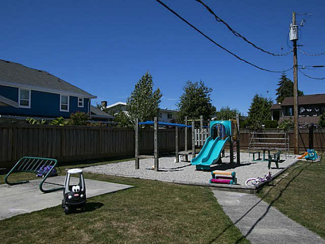 "Photo 18: Photos: 2 4951 57 Street in Ladner: Hawthorne Townhouse for sale in ""THE OASIS"" : MLS®# V1137084"