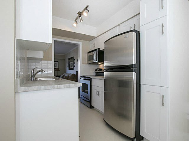 "Photo 4: Photos: 2 4951 57 Street in Ladner: Hawthorne Townhouse for sale in ""THE OASIS"" : MLS®# V1137084"