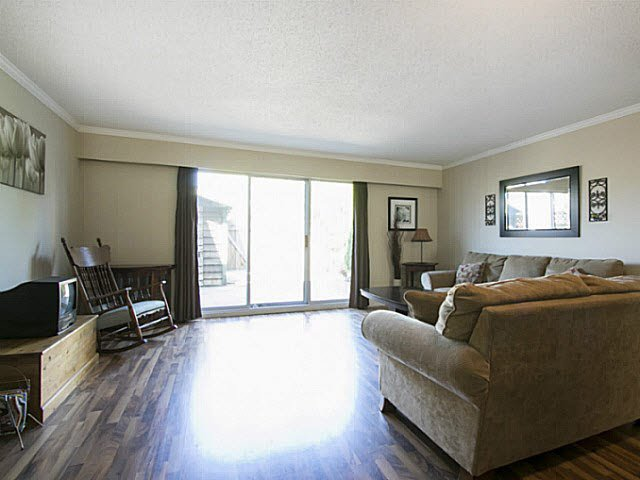 "Photo 5: Photos: 2 4951 57 Street in Ladner: Hawthorne Townhouse for sale in ""THE OASIS"" : MLS®# V1137084"