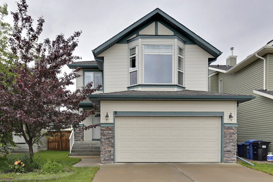 Main Photo: 8 Cougarstone Cove SW in Calgary: House for sale : MLS®# C3622619