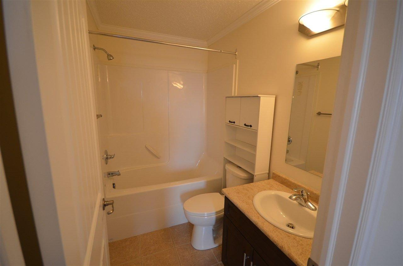 Photo 9: Photos: 11407 89A Street in Fort St. John: Fort St. John - City NE House 1/2 Duplex for sale (Fort St. John (Zone 60))  : MLS®# R2143713