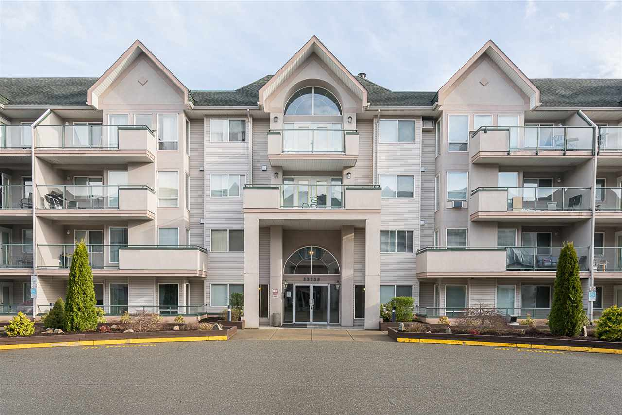 Main Photo: 412 33738 KING Road in Abbotsford: Poplar Condo for sale : MLS®# R2164808
