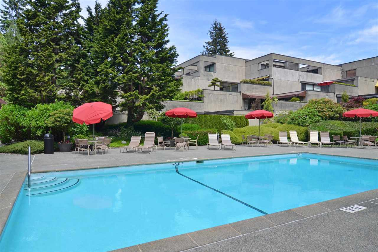 "Main Photo: 309 4900 CARTIER Street in Vancouver: Shaughnessy Condo for sale in ""SHAUGHNESSY PLACE"" (Vancouver West)  : MLS®# R2174376"