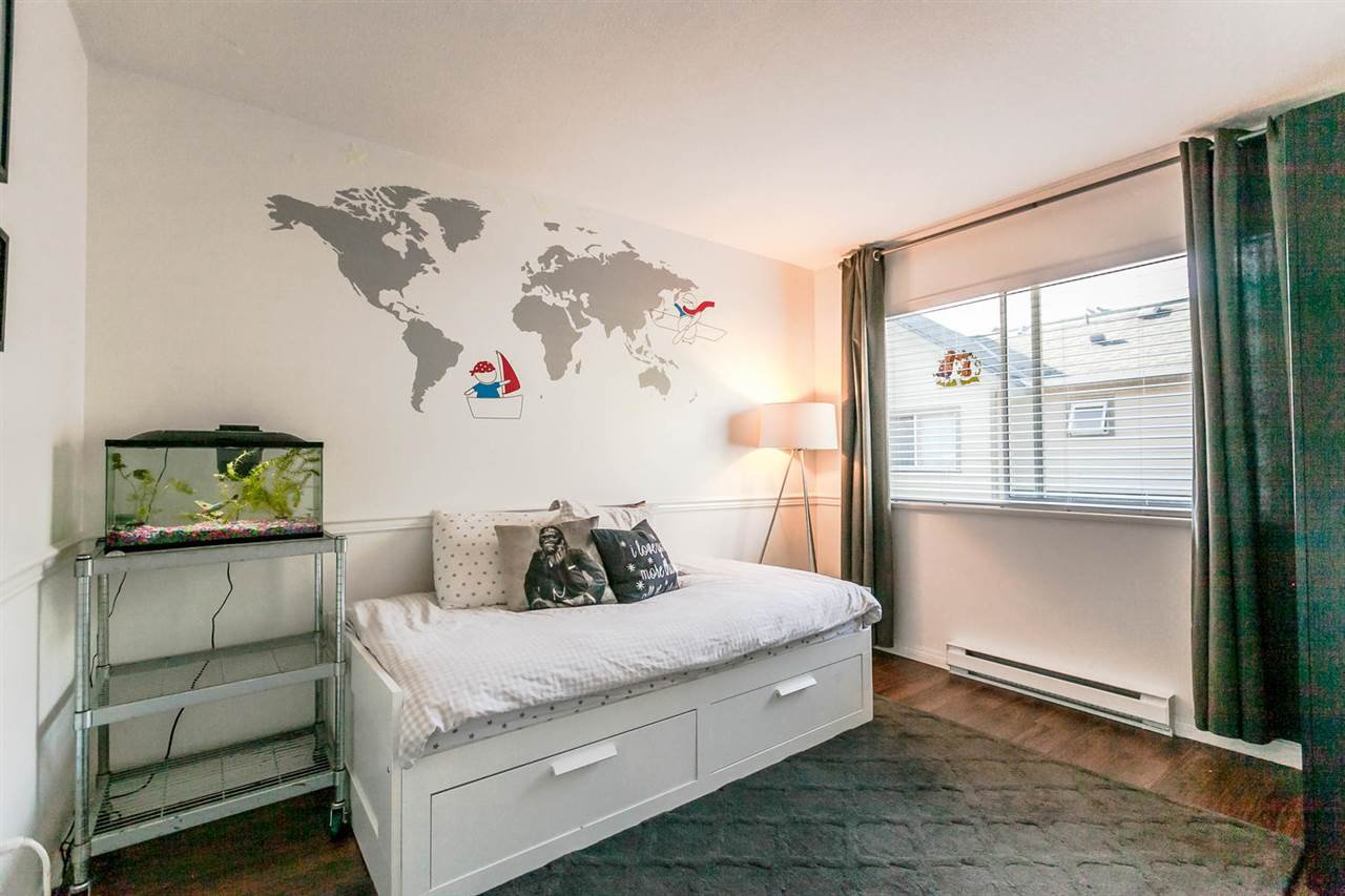 "Photo 15: Photos: 20 828 W 16TH Street in North Vancouver: Hamilton Townhouse for sale in ""Hamilton Court"" : MLS®# R2191452"