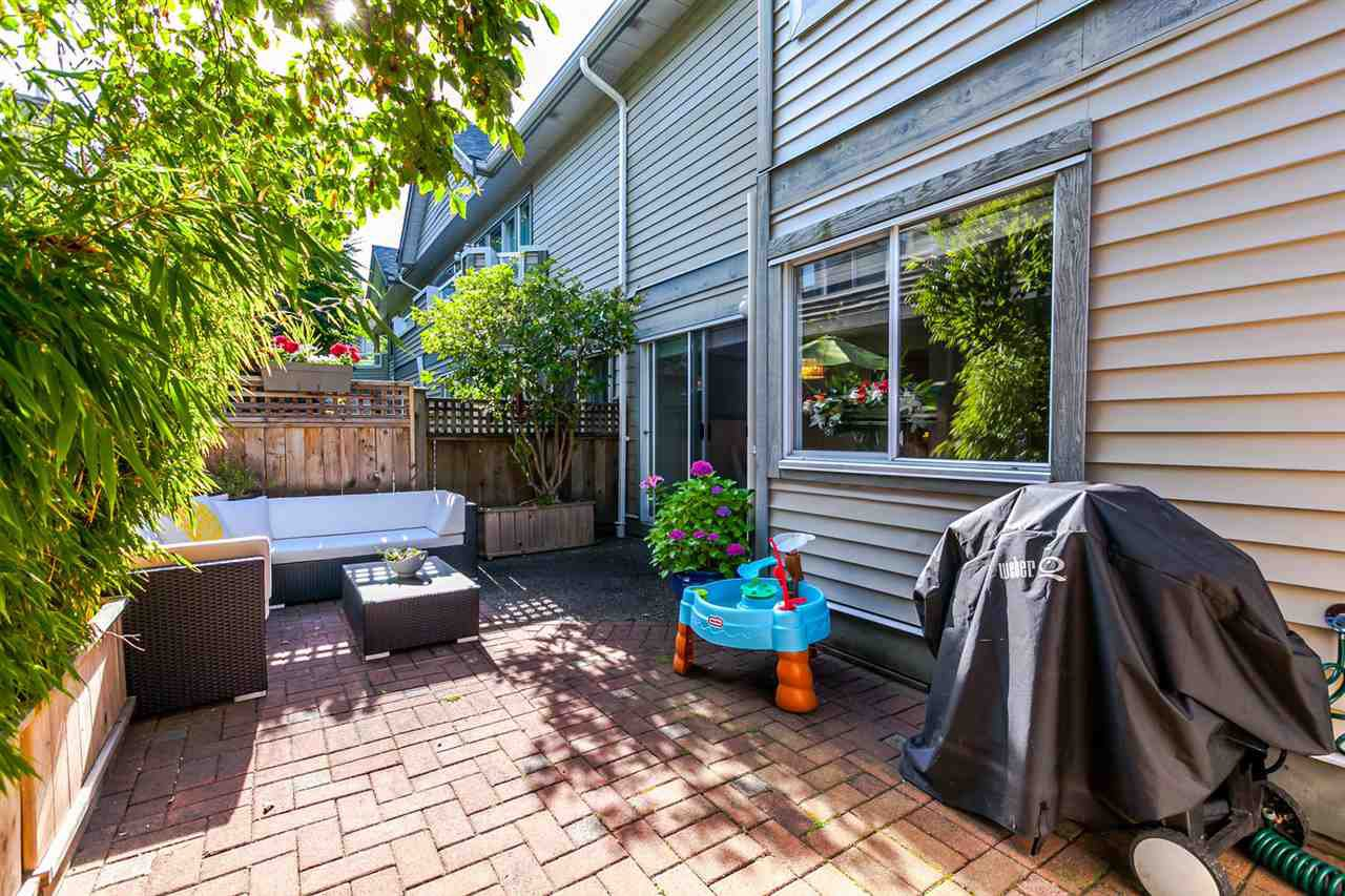 "Photo 10: Photos: 20 828 W 16TH Street in North Vancouver: Hamilton Townhouse for sale in ""Hamilton Court"" : MLS®# R2191452"