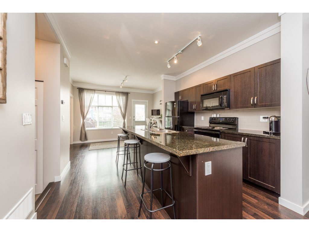 """Photo 8: Photos: 25 6956 193 Street in Surrey: Clayton Townhouse for sale in """"Edge"""" (Cloverdale)  : MLS®# R2194884"""