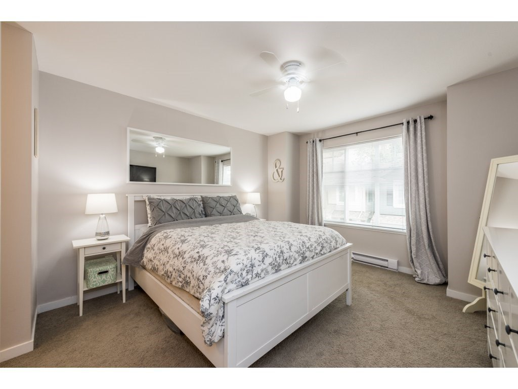 """Photo 13: Photos: 25 6956 193 Street in Surrey: Clayton Townhouse for sale in """"Edge"""" (Cloverdale)  : MLS®# R2194884"""