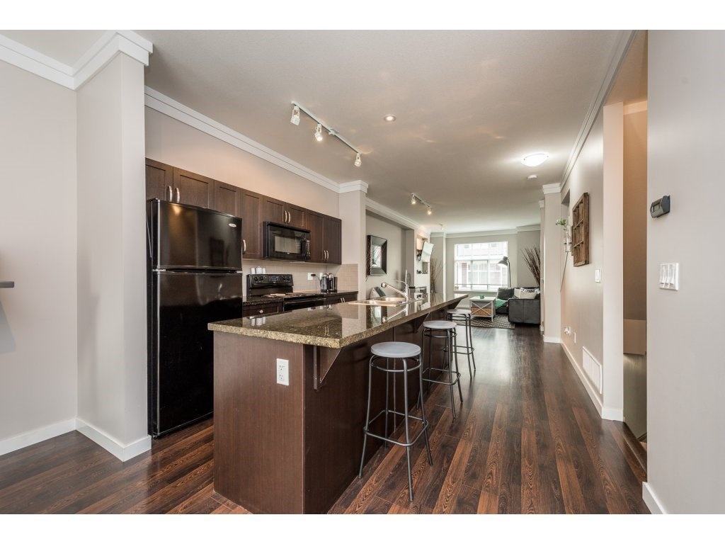 """Photo 10: Photos: 25 6956 193 Street in Surrey: Clayton Townhouse for sale in """"Edge"""" (Cloverdale)  : MLS®# R2194884"""