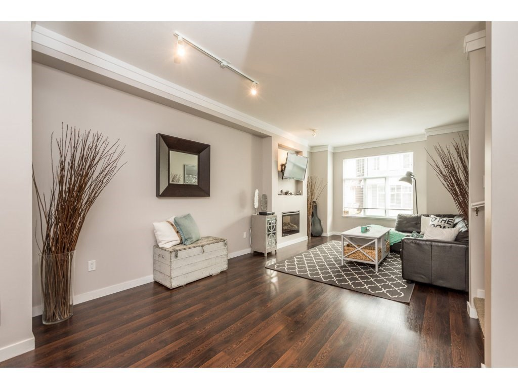 """Photo 7: Photos: 25 6956 193 Street in Surrey: Clayton Townhouse for sale in """"Edge"""" (Cloverdale)  : MLS®# R2194884"""