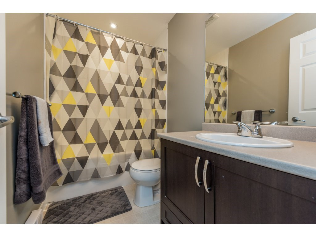 """Photo 18: Photos: 25 6956 193 Street in Surrey: Clayton Townhouse for sale in """"Edge"""" (Cloverdale)  : MLS®# R2194884"""