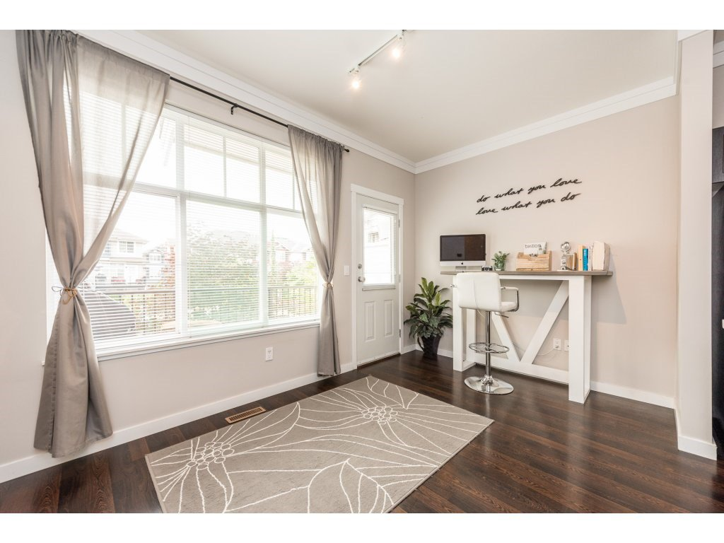 """Photo 11: Photos: 25 6956 193 Street in Surrey: Clayton Townhouse for sale in """"Edge"""" (Cloverdale)  : MLS®# R2194884"""