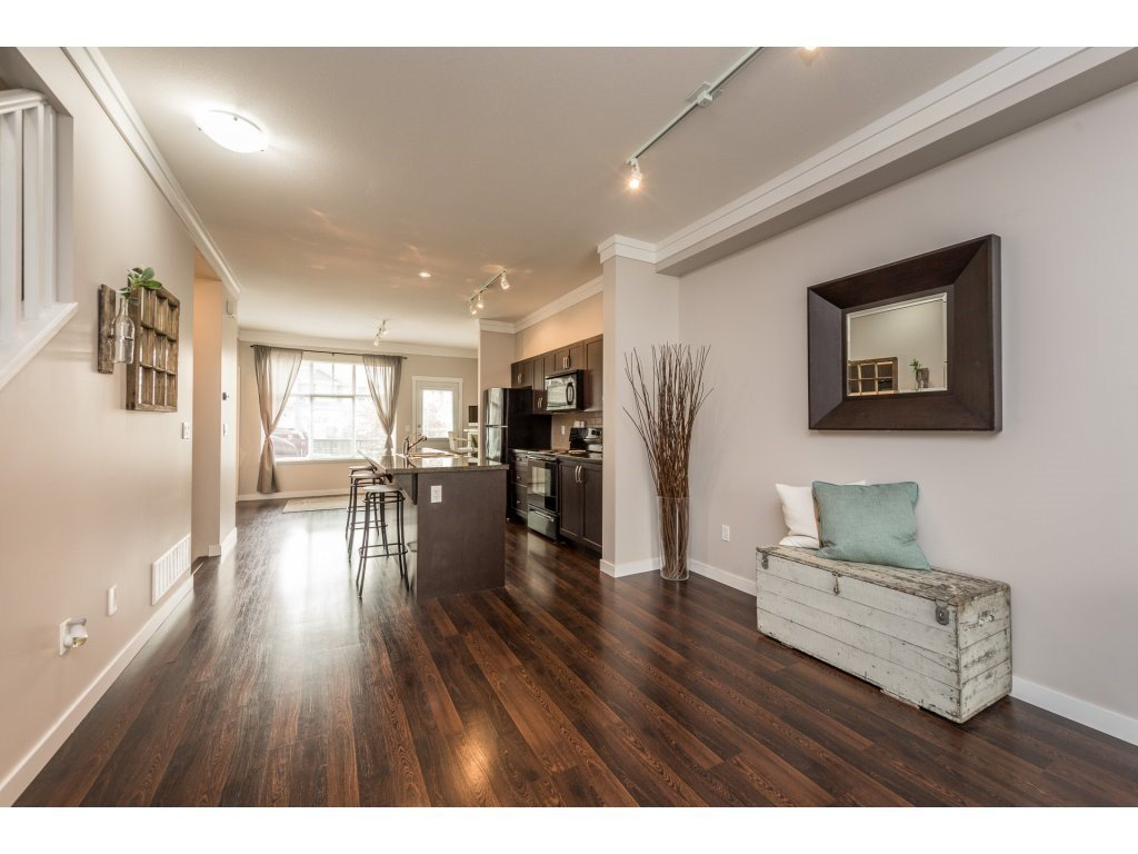 """Photo 6: Photos: 25 6956 193 Street in Surrey: Clayton Townhouse for sale in """"Edge"""" (Cloverdale)  : MLS®# R2194884"""