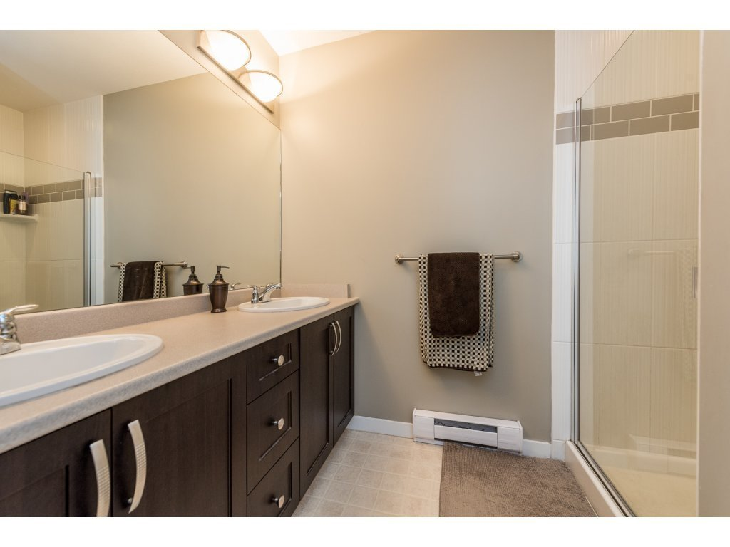 """Photo 15: Photos: 25 6956 193 Street in Surrey: Clayton Townhouse for sale in """"Edge"""" (Cloverdale)  : MLS®# R2194884"""