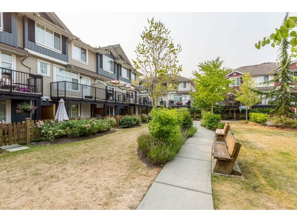 """Photo 19: Photos: 25 6956 193 Street in Surrey: Clayton Townhouse for sale in """"Edge"""" (Cloverdale)  : MLS®# R2194884"""