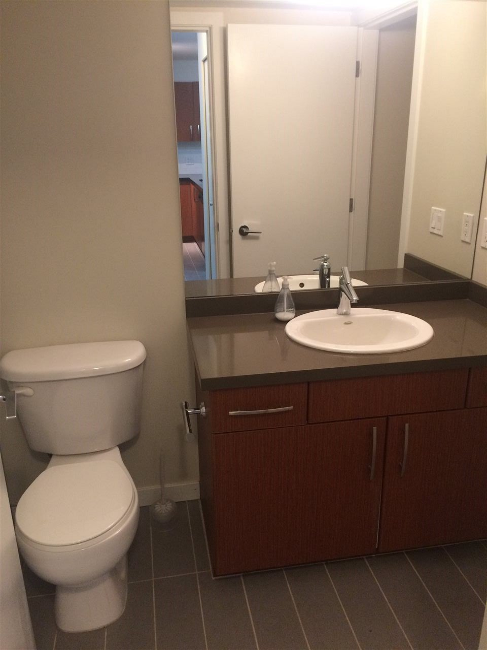 Photo 4: Photos: 208 7337 MACPHERSON Avenue in Burnaby: Metrotown Condo for sale (Burnaby South)  : MLS®# R2208258