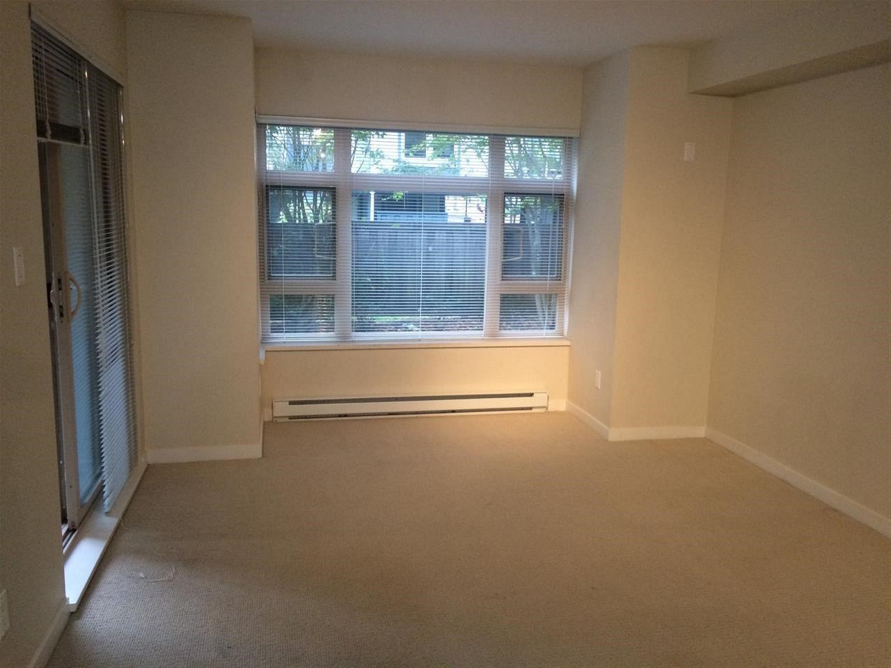 Photo 2: Photos: 208 7337 MACPHERSON Avenue in Burnaby: Metrotown Condo for sale (Burnaby South)  : MLS®# R2208258