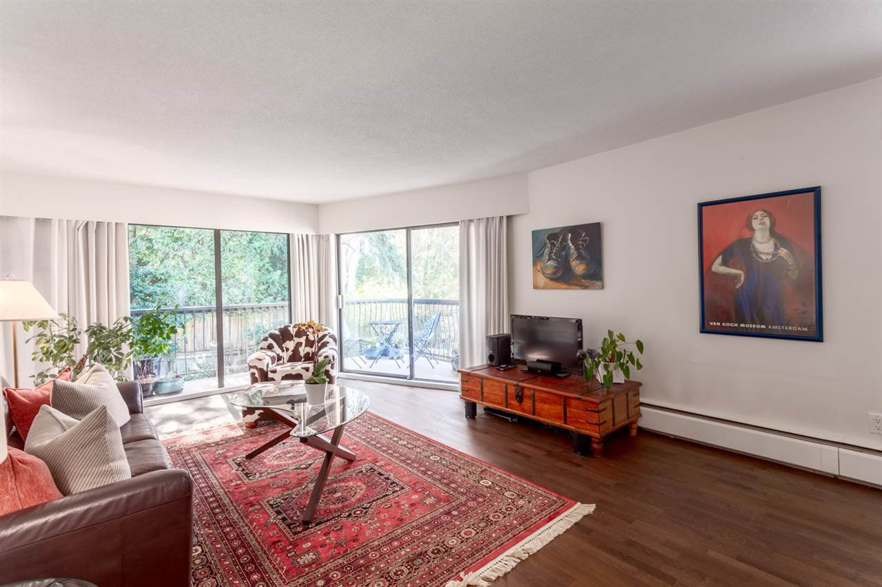 "Main Photo: 229 1844 W 7TH Avenue in Vancouver: Kitsilano Condo for sale in ""CRESTVIEW MANOR"" (Vancouver West)  : MLS®# R2248820"