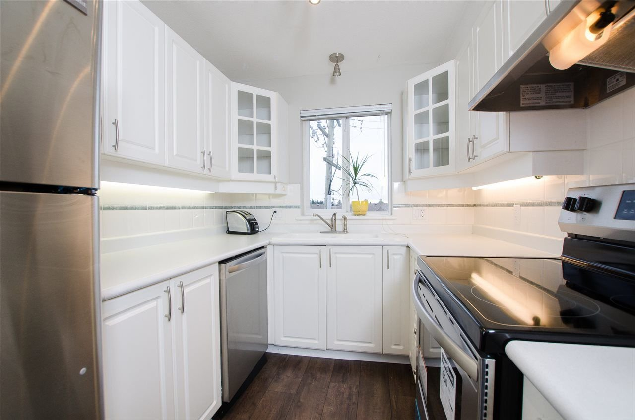 "Photo 2: Photos: 323 1588 BEST Street: White Rock Condo for sale in ""Monterey"" (South Surrey White Rock)  : MLS®# R2256976"