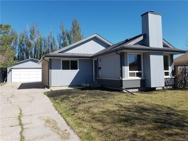 Main Photo: 26 St Moritz Road in Winnipeg: Sun Valley Park Residential for sale (3H)  : MLS®# 1813320