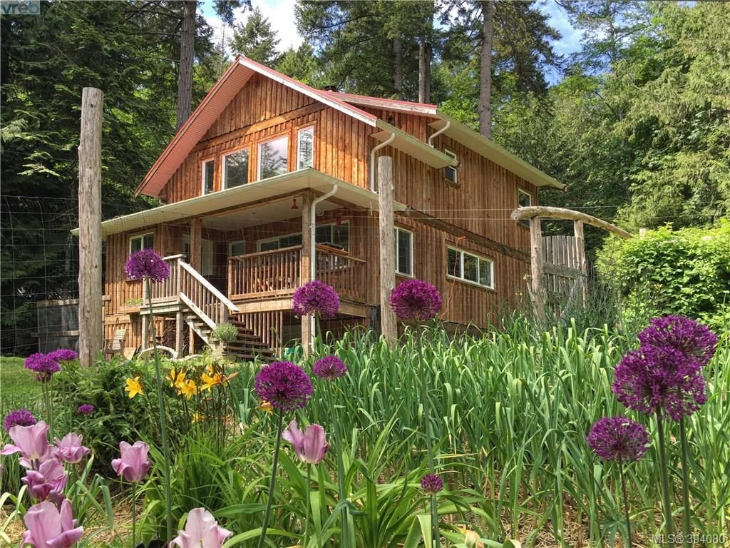 Main Photo: 166 Menhinick Dr in SALT SPRING ISLAND: GI Salt Spring House for sale (Gulf Islands)  : MLS®# 789975