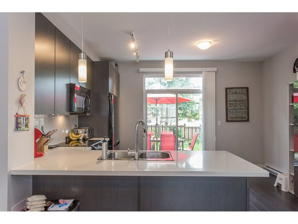 """Photo 10: Photos: 21 19505 68A Avenue in Surrey: Clayton Townhouse for sale in """"Clayton Rise"""" (Cloverdale)  : MLS®# R2280996"""