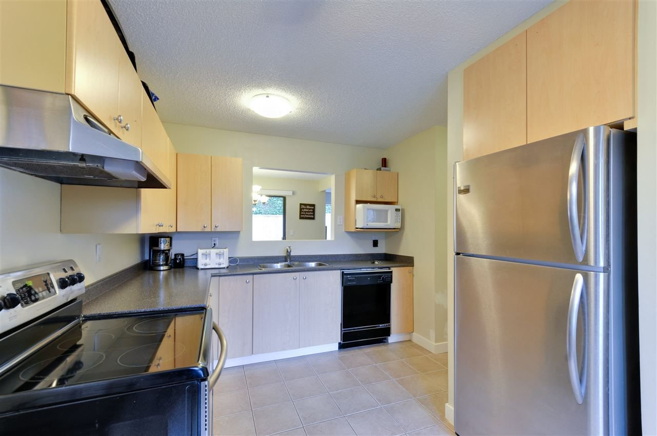 """Main Photo: 255 27411 28 Avenue in Langley: Aldergrove Langley Townhouse for sale in """"Alderview"""" : MLS®# R2283572"""
