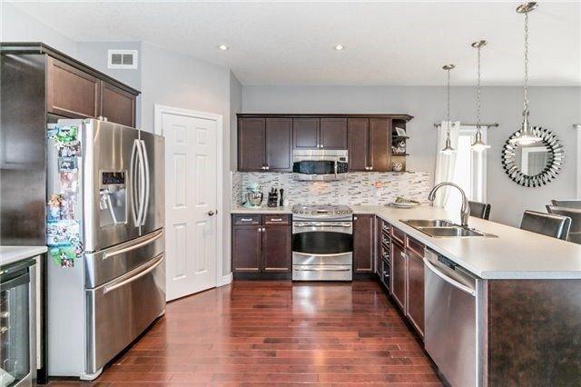 Photo 4: Photos: 54 Stevenson Street in Essa: Angus House (2-Storey) for sale : MLS®# N4240310