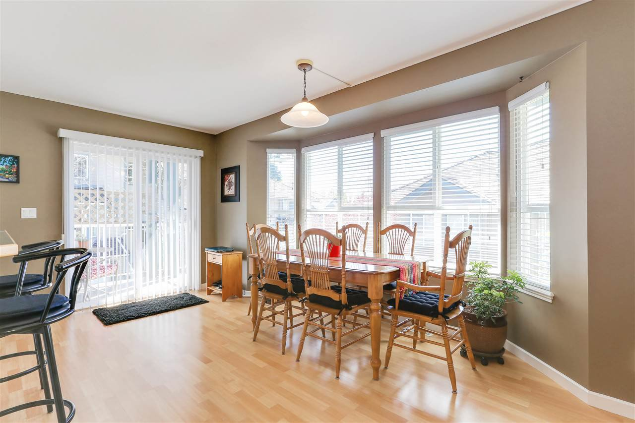 """Photo 9: Photos: 12 241 PARKSIDE Drive in Port Moody: Heritage Mountain Townhouse for sale in """"PINEHURST"""" : MLS®# R2361152"""