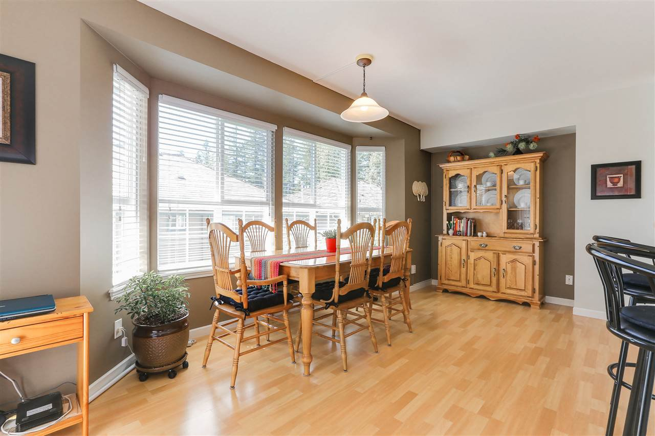 """Photo 5: Photos: 12 241 PARKSIDE Drive in Port Moody: Heritage Mountain Townhouse for sale in """"PINEHURST"""" : MLS®# R2361152"""