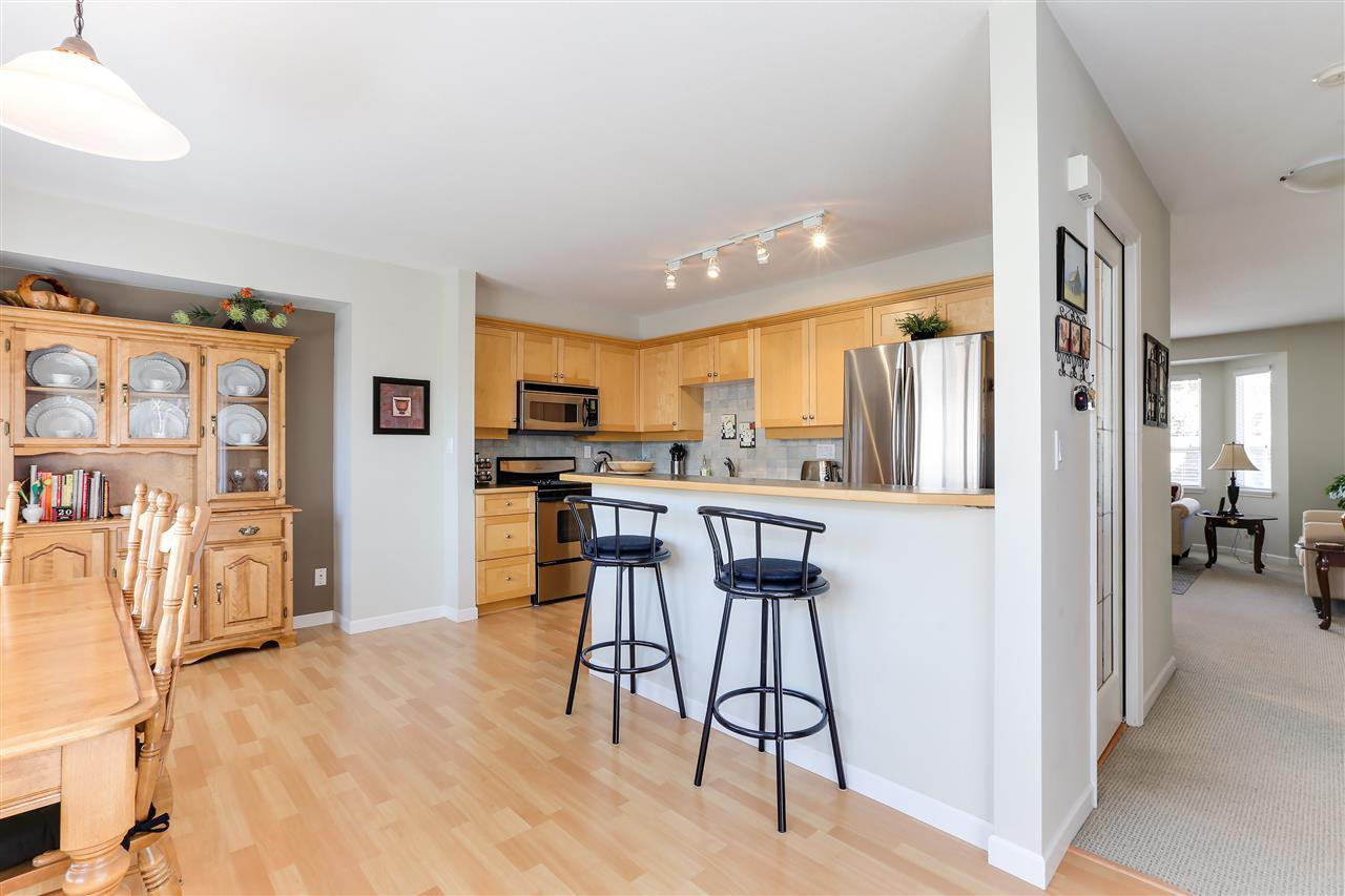 """Photo 6: Photos: 12 241 PARKSIDE Drive in Port Moody: Heritage Mountain Townhouse for sale in """"PINEHURST"""" : MLS®# R2361152"""
